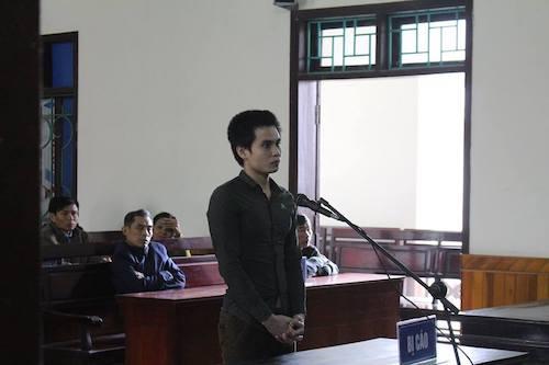 Bị cáo Nguyễn Quyết Thắng tại phiên xử.