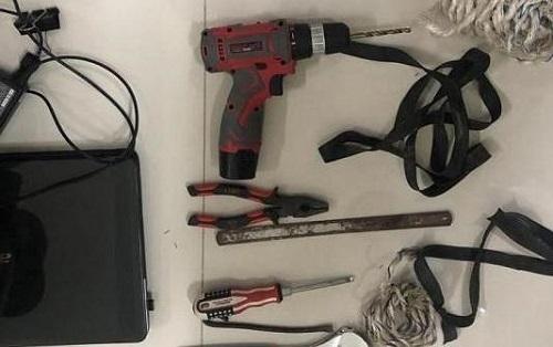 Các dụng cụ đối tượng Đào Văn Mạnh dùng để phá két tại các trụ sở UBND xã, trụ sở các công ty