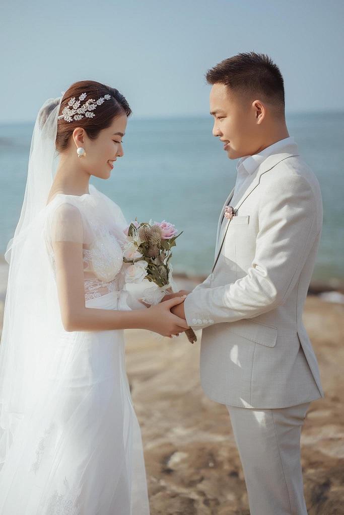 Đôi bạn trẻ hy vọng sau khi dịch bệnh được đẩy lùi, cả hai sẽ có một đám cưới viên mãn.