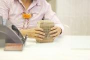 Lợi nhuận ngân hàng dần bền vững nhờ dịch vụ