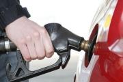 Tước giấy phép 2 tháng, phạt gần 153 triệu vì bán xăng không đạt chuẩn