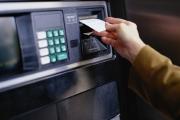 Khách hàng đang gánh bao nhiêu phí cho một giao dịch ATM?