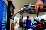 Giá xăng RON95 giảm 1.085 đồng/lít kể từ 15h hôm nay