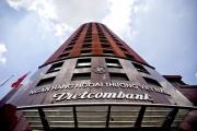 Bloomberg: Lộ diện 2 cty bảo hiểm tham gia thầu hợp đồng 1 tỷ USD của Vietcombank