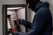 Ngân hàng chịu trách nhiệm thế nào khi khách hàng bị lừa mất tiền trong tài khoản?