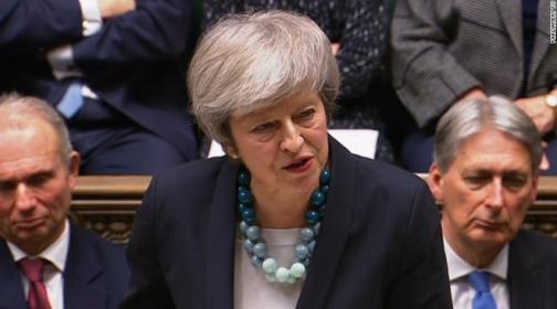 Thủ tướng hoãn trình thỏa thuận Brexit, quốc hội Anh náo loạn